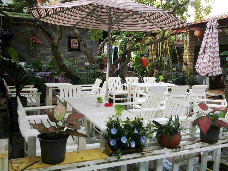 Cách thiết kế cafe sân vườn đơn giản mà hiện đại xu hướng 2020