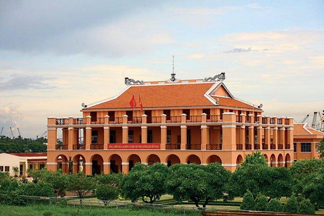 Cùng chiêm ngưỡng 9 tác phẩm kiến trúc đẹp ở TPHCM